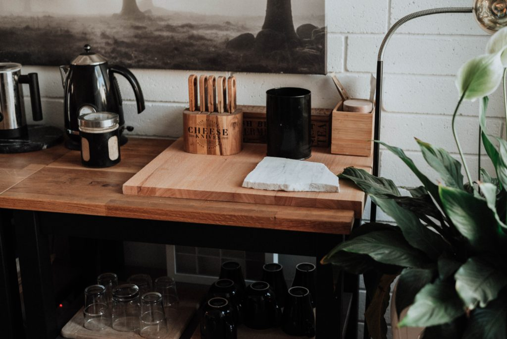 How To Maintain Proper Sanitation Of Chopping Board Surfaces